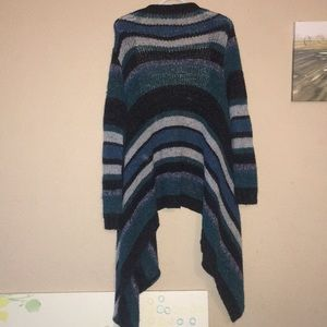 Relais Knitware Sweaters - Relais sweater in Medium. Blue stripes.
